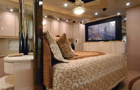 luxury_motorhome_11.jpg